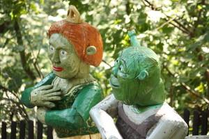 Shrek_with_wife_-_Ogród_bajek_w_Międzygórzu